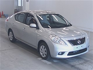 NISSAN TIIDA LATIO